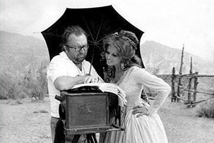 ... Sergio Leone, straordinario regista di cui siamo rimasti orfani venti
